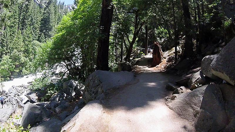 Yosemite National Park Vernall fall trail