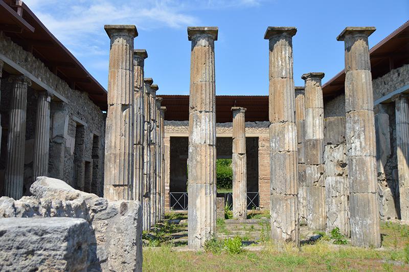 Bezoek aan Pompeï - pilaren