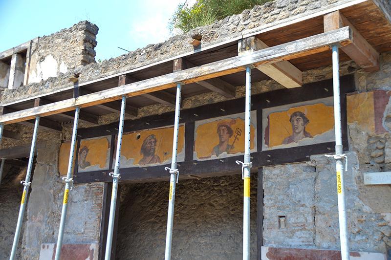 Bezoek aan Pompeï - stutwerk