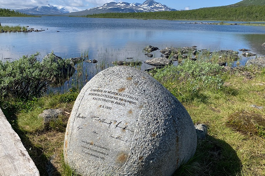 Monument Treriksröset - sommarmorgon.com