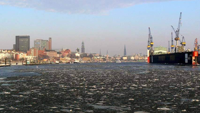Hamburger Hafen im Winter