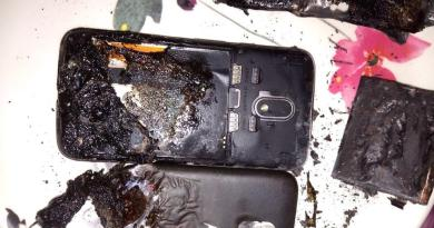 Moto E Power Smartphone Explodes while on charging