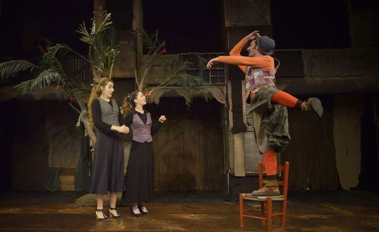 Com us plagui - Teatre Akadèmia - (c) David Ruano