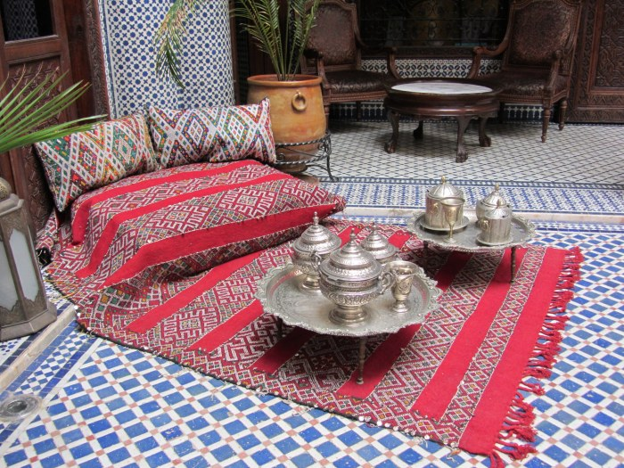 Traditional moroccan tea service, Photo Credit: Catherine B., Flickr
