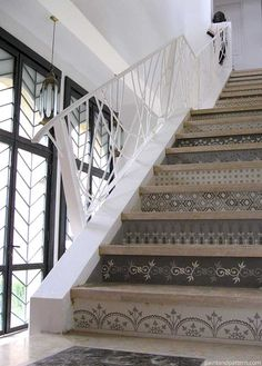 Moroccan Stenciled Stairs With Henna Design, Image Source: BleuePiece
