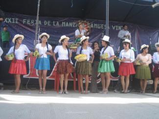 Candidatas a la Corona de la Fiesta de la Manzana