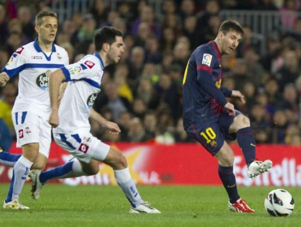 Pablo Insua junto a Leo Messi. Foto: www.mundodeportivo.com