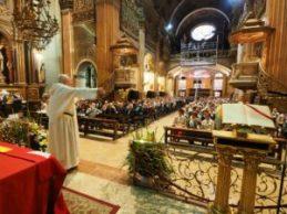Fray Joaquín Millán Rubio explicó parte de la historia de la Basílica de la Merced, en Barcelona.