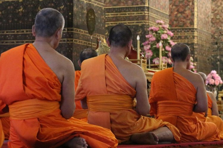 Monjes templo Wat Pho