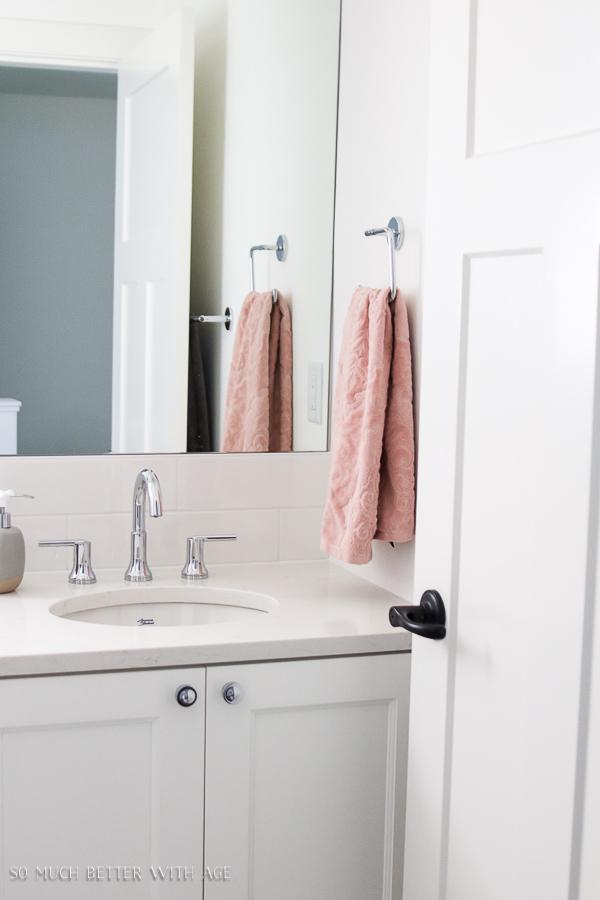 White Simple Bathroom Pink Towels