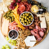 how to build a great cheese + charcuterie board