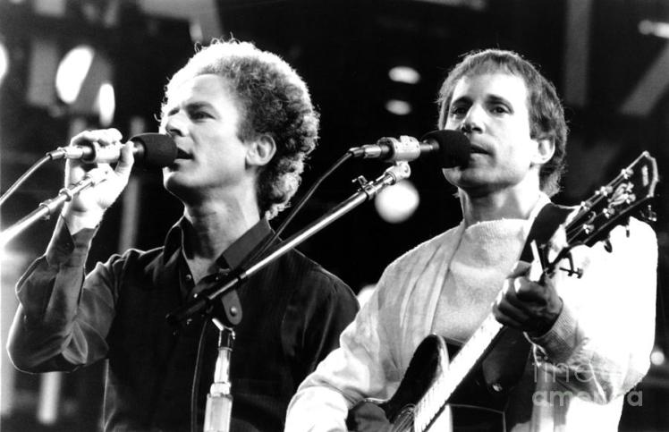 simon-and-garfunkel-1982-chris-walter.jpg