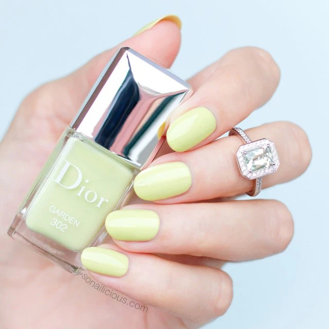 Essie Nail Lacquer In Pool Side Service