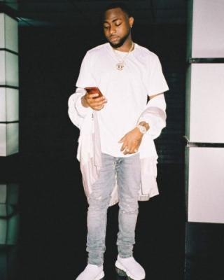 Davido Cries Out As He Begins To Spend Out Of His Reserved Savings Due To Coronavirus Lockdown
