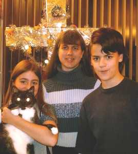 2007 pic of fam and Christmas ornaments