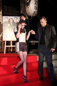Kristen Stewart Assure La Promo Japonaise De Breaking Dawn Part 2/ Twilight Chap 5