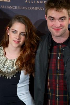 KSTEConférence de Presse Pour Breaking Dawn Part 2 : Photocall avec Kristen Stewart, Robert Pattinson & Taylor Lautner !