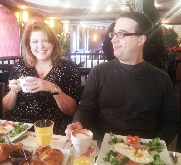 Un Brunch d'Enfer En Compagnie de CJ Daugherty et Carina Rozenfeld
