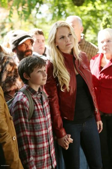 Once Upon A Time Saison 2 Episode N°1 - Broken (Brise) 008