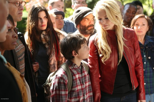 Once Upon A Time Saison 2 Episode N°1 - Broken (Brise) 010
