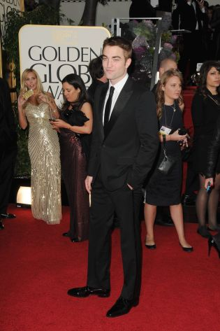 Robert Pattinson Aux Golden Globe 2013 - Red Carpet- 0020
