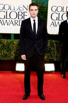 Robert Pattinson Aux Golden Globe 2013 - Red Carpet- 0022