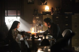 TVD 4x11 Catch Me if you Can - Bonnie & Shane