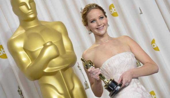 Jennifer Lawrence - L'Après Oscar - La Press Room 002