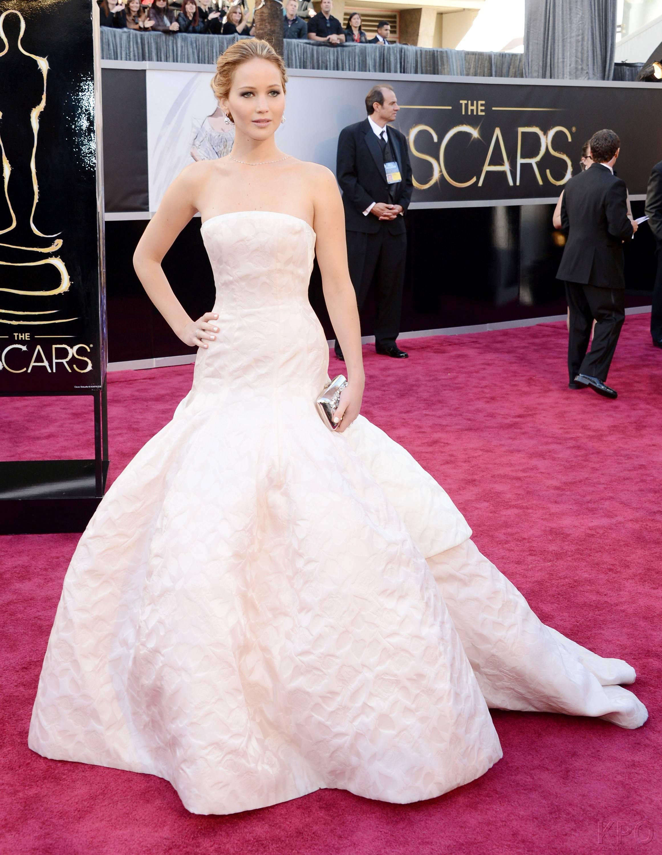 Jennifer Lawrence - Le Red Carpet de la 85eme Cérémonie des Oscars 002