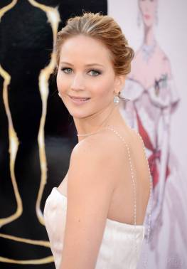 Jennifer Lawrence - Le Red Carpet de la 85eme Cérémonie des Oscars 005