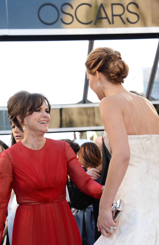 Jennifer Lawrence - Le Red Carpet de la 85eme Cérémonie des Oscars 010