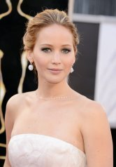 Jennifer Lawrence - Le Red Carpet de la 85eme Cérémonie des Oscars 013