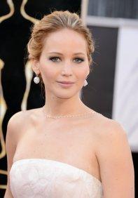 Jennifer Lawrence - Le Red Carpet de la 85eme Cérémonie des Oscars 013