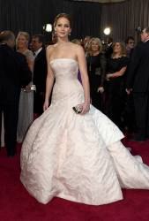 Jennifer Lawrence - Le Red Carpet de la 85eme Cérémonie des Oscars 032