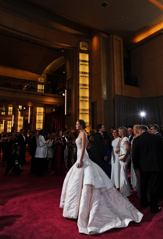 Jennifer Lawrence - Le Red Carpet de la 85eme Cérémonie des Oscars 036