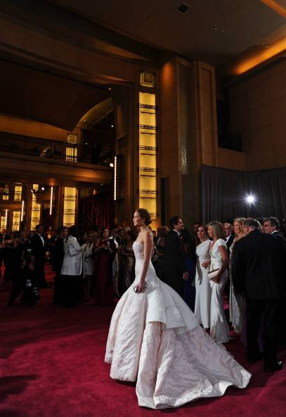 Jennifer Lawrence - Le Red Carpet de la 85eme Cérémonie des Oscars 036