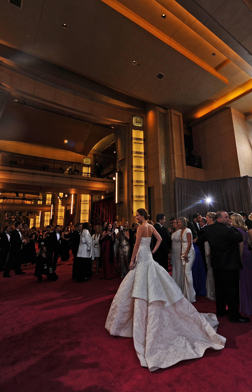 Jennifer Lawrence - Le Red Carpet de la 85eme Cérémonie des Oscars 041