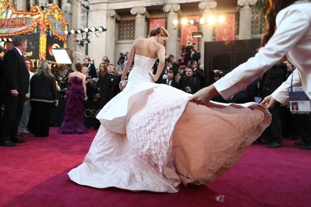 Jennifer Lawrence - Le Red Carpet de la 85eme Cérémonie des Oscars 042