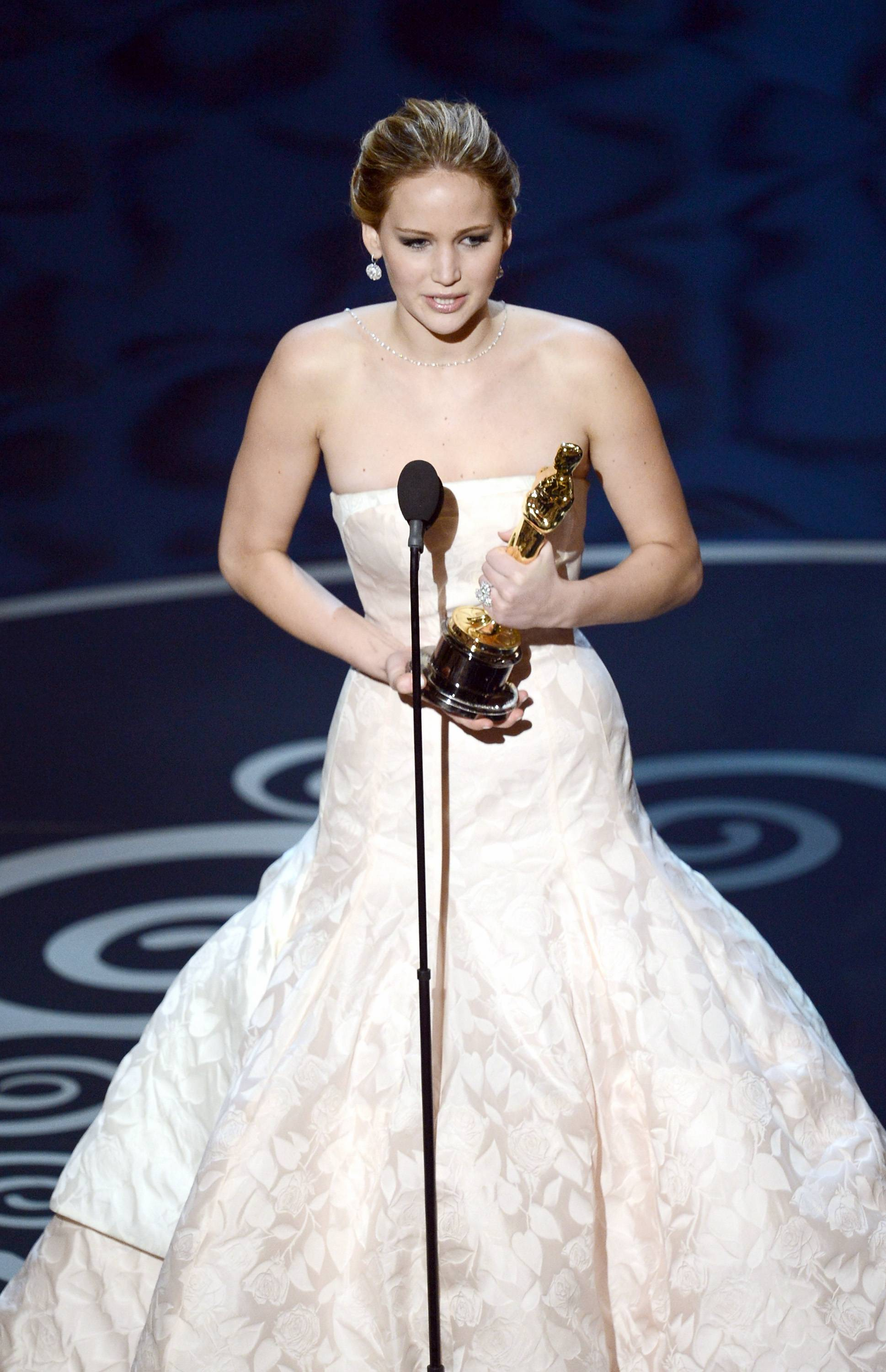 Jennifer Lawrence - Meilleure Actrice Pour Hapiness Therapy 011