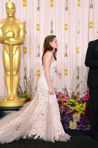 Kristen Stewart à la 85eme cérémonie des Oscars -La Press Room 14