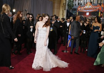 Kristen Stewart à la 85eme cérémonie des Oscars - Le Red Carpet 002