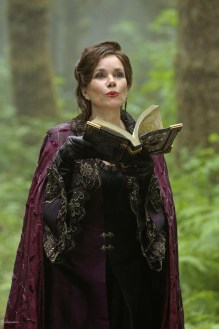 Once Upon A Time Saison 2 - Fiche Episode N°2 - We Are Both 002