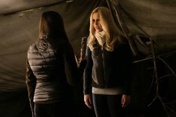 TVD 4x13 Into the Wild - Elena&Rebekah