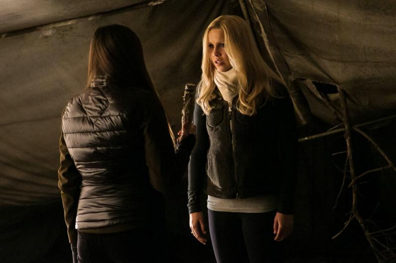 TVD 4x13 Into the Wild - Elena&Rebekah