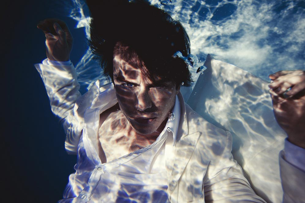 ian-look-1-floating-in-white-suit_Lifestyle Mirror
