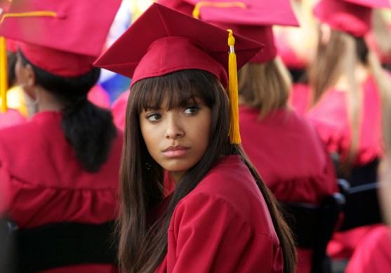 TVD 4x23 - Graduation - Bonnie