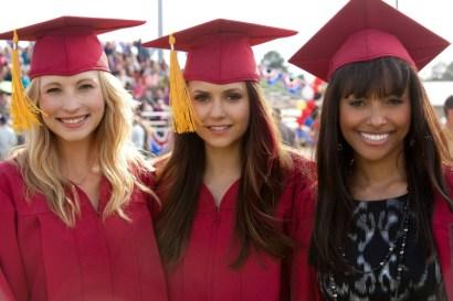 TVD 4x23 - Graduation - Caroline, Elena & Bonnie
