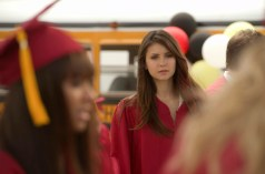 TVD 4x23 - Graduation - Bonnie & Elena