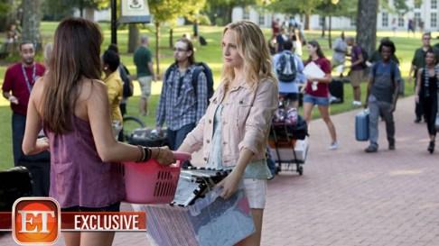 TVD 5x01 - I Know What You Did Last Summer - Elena & Caroline