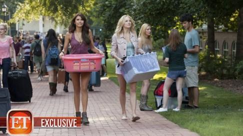 TVD 5x01 - I Know What You Did Last Summer - Caroline & Elena